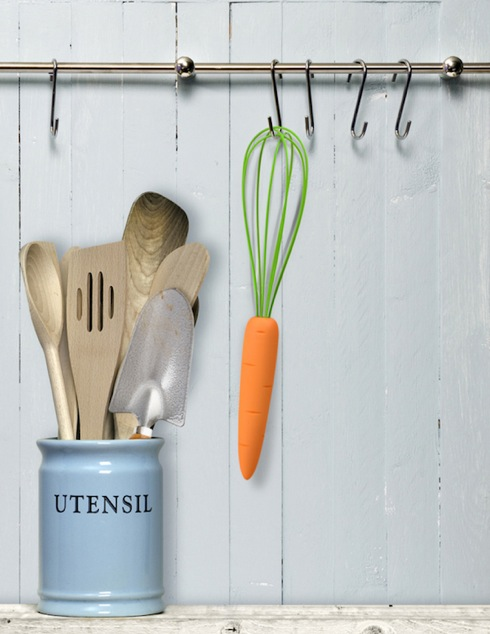 The Cook's Carrot Whisk by Liz Dubois - FRED Studio