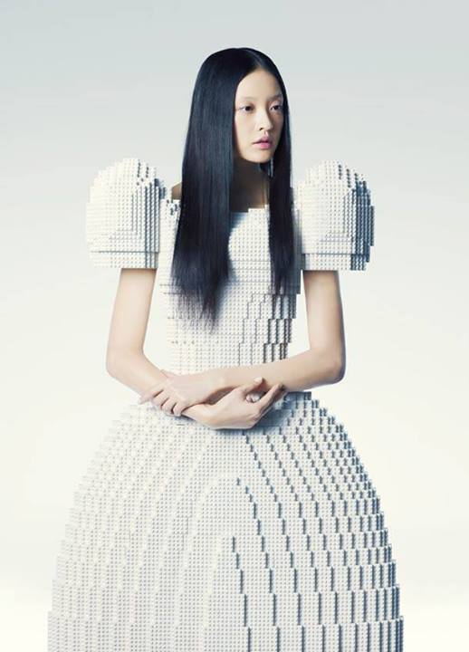 """Piece of Peace"" Wedding Dress Made ​​with Lego Rie Hosokai"