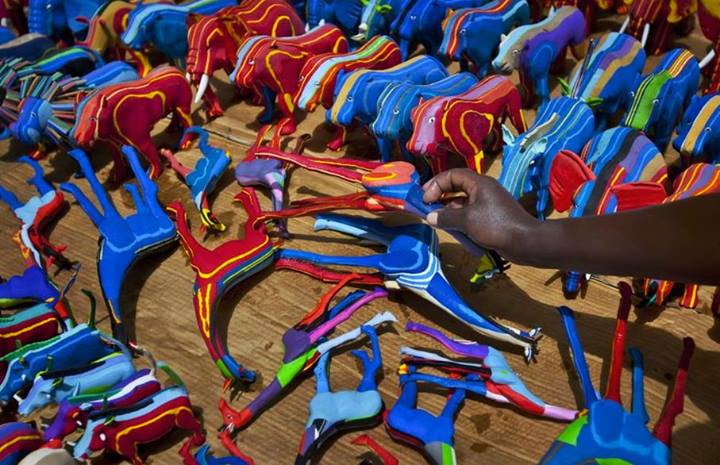 Toy Animals Made From Recycled Flip-Flop Trash Washed-Up From Ocean in Kenya